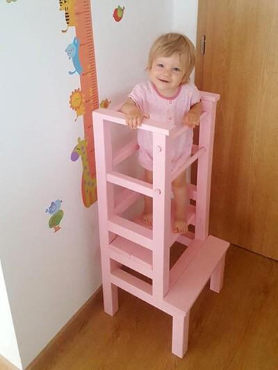 Polohovateľný stupienok umožnuje rasť veže