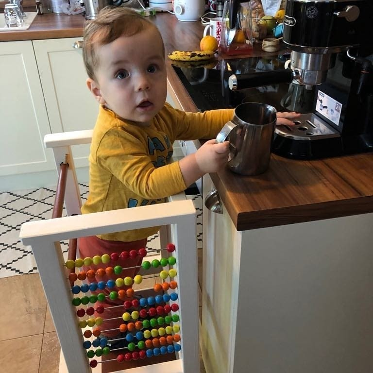 Pomáha urobiť kávu